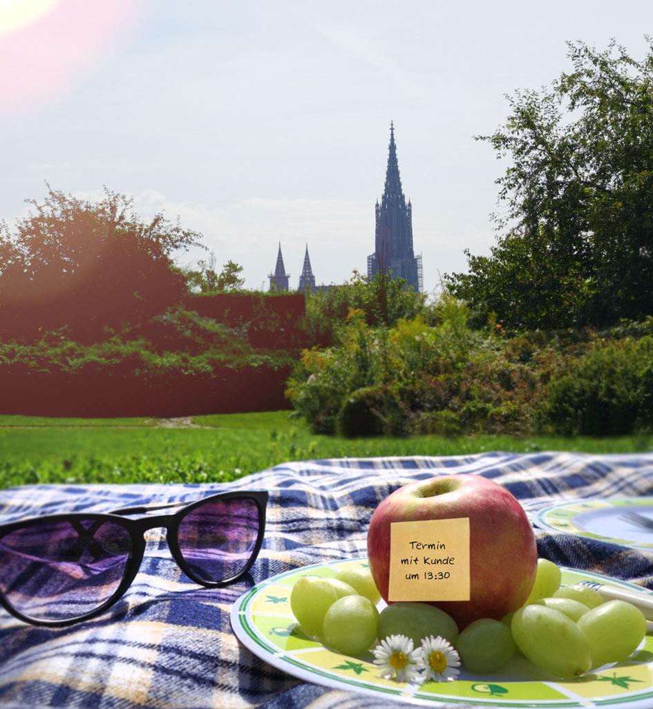 Aksis Werbeagentur und Internetagentur Ulm – Picknick mit Blick aufs Ulmer Muenster