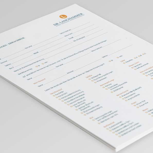 Anamnesebogen von Zahnarzt Dr. Langhammer, erstellt von der AKSIS Werbeagentur