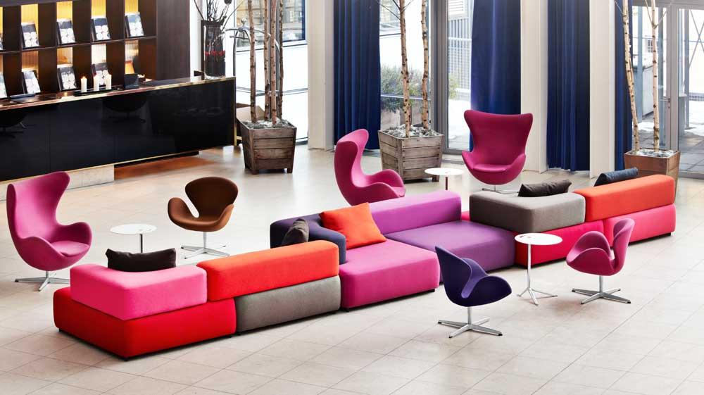 Sofas und Stühle