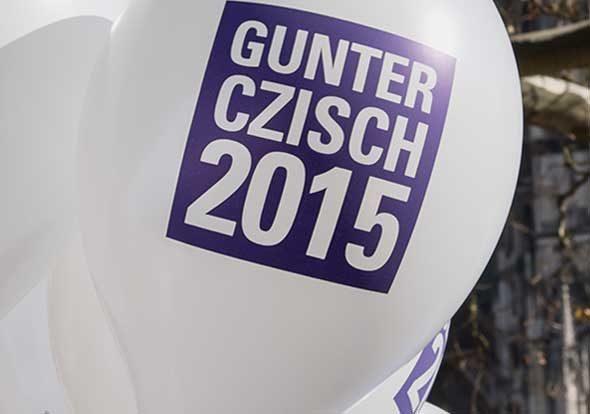 Luftballon im Corporate Design von Gunter Czisch, Oberbürgermeister Ulm, Wahlkampf