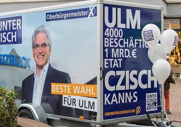 Bedruckter Anhänger im Corporate Design von Gunter Czisch, Oberbürgermeister Ulm, Wahlkampf