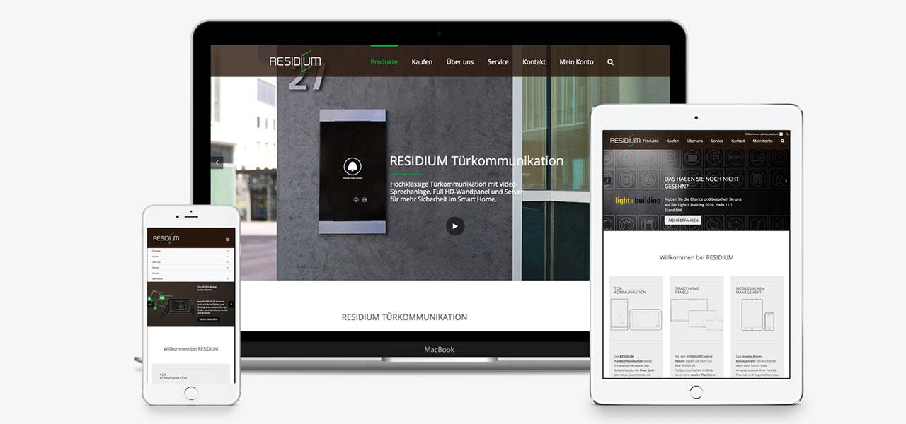 Die unterschiedliche Darstellung der responsiven Website von Residium, gestaltet von der AKSIS Werbeagentur