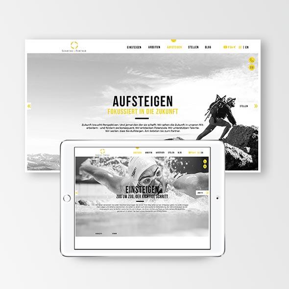 Ein iPad zeigt die neue responsive Website von Sonntag und Partner, dahinter ein Screenshot der Website. Erstellt von der AKSIS Werbeagentur