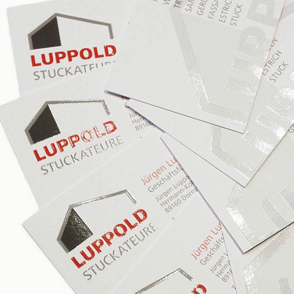 Die mit partiellem UV-Lack veredelten Visitenkarten von Luppold GmbH Stuckateure