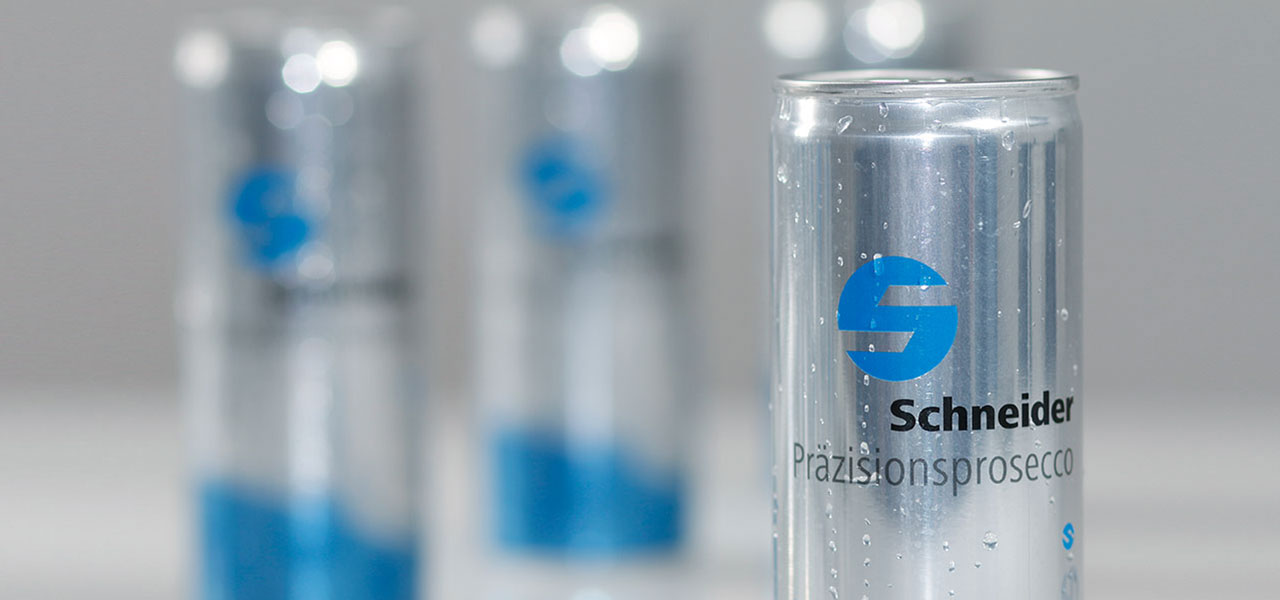 Energy-Drink-Dosen von Schneider Präzesionstechnik, gestaltet von AKSIS Werbeagentur