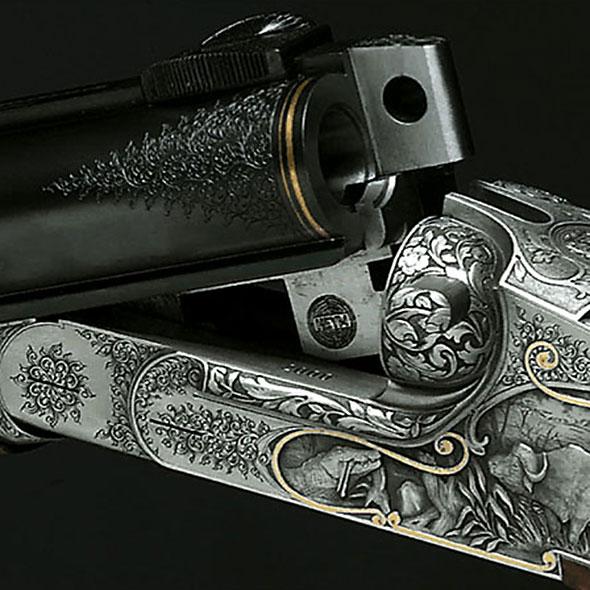 Ein abgewinkelter Gewehrlauf.